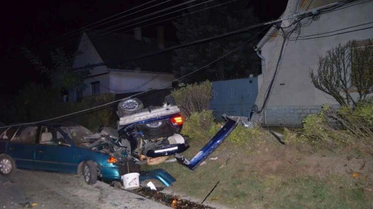 15 évesen, jogosítvány nélkül vezetett egy sofőr, baleset lett a vége