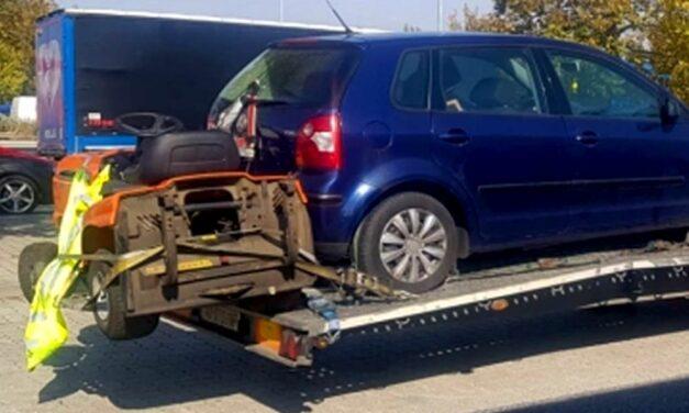 Horror módon vitte a fűnyírótraktort az autópályán