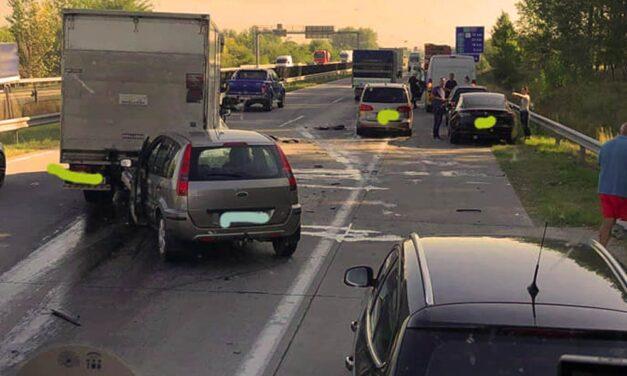 Baleset miatt lezárták az M3-as autópályát