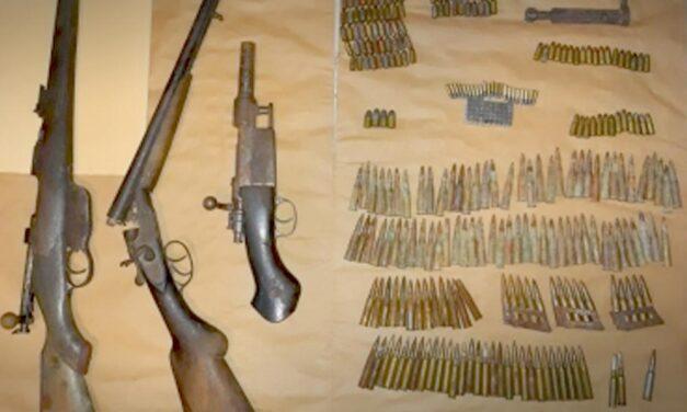 Fegyvereket foglaltak le a TEK-esek