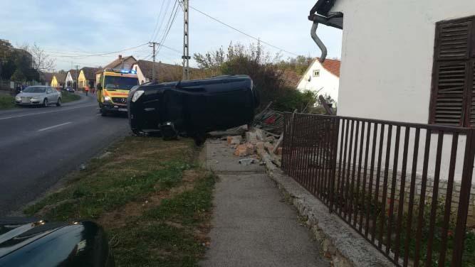 Durva baleset! Füvet nyíró férfit gázolt halálra egy autós