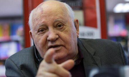 Nocsak! Előkerült Gorbacsov és atomfegyverekről beszél