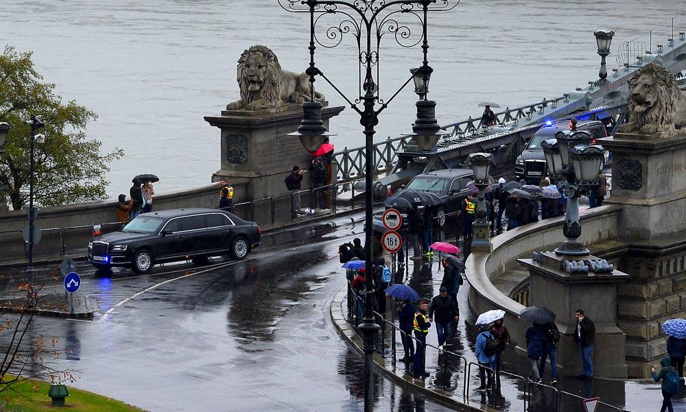Putyin Budapesten: Jött, tárgyalt és nagy dugót csinált az orosz elnök