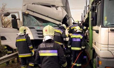 Súlyos baleset az M1-es autópályán