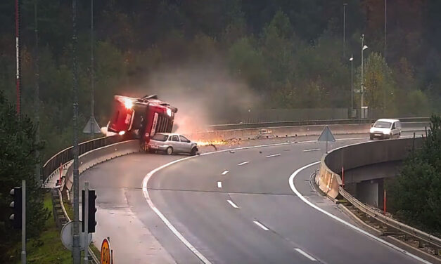 Videón ahogy a mélybe taszítja a magyar kamionost Szlovéniában egy Opel