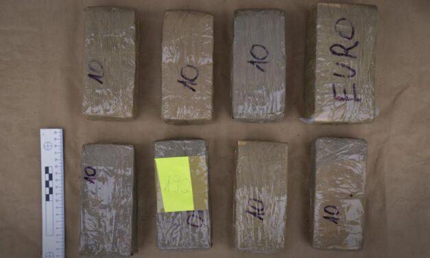 Droglabort lepleztek le, nagy üzemben ment a kábítószer gyártása