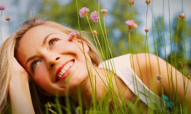 Szeresd magad és boldog leszel! A szakértőnk ezt az 5 módszert javasolja