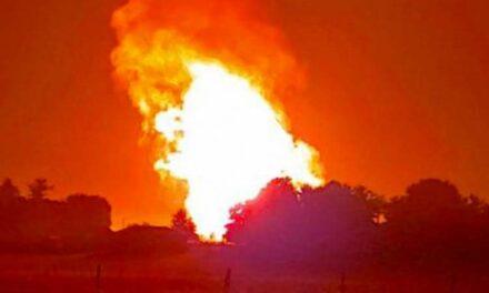Gázrobbanás Püspökladányban: óriási lángokkal égett egy föld alatti cső -videóval