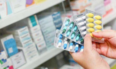 Óriási mennyiségű gyógyszerrel mérgezte férjét a győri asszony