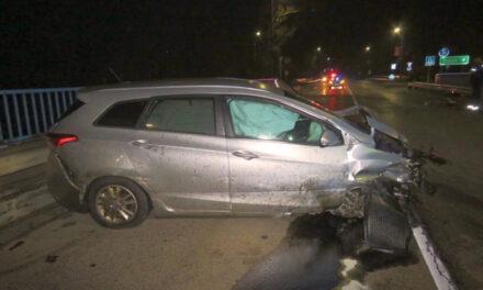 Az ámokfutó tolvaj, rablás után bevágta magát a lopott autóba, aztán összetörte a kocsit