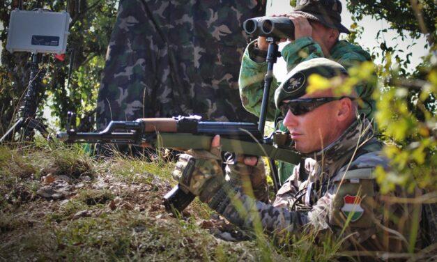 Bármelyik bokorból katonák léphetnek elő Miskolc környékén