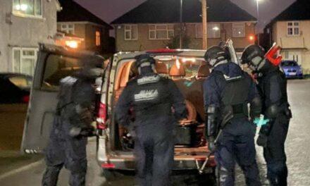 Angliából irányították az unokázós bűnbandát