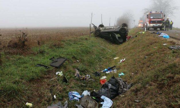 Halálos baleset: felborult egy autó Somogyban – videóval