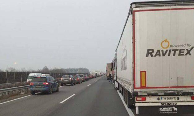 Halálos baleset az M5-ösön: pár órával előtte ugyanott négy autó ütközött