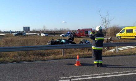 Száguldozva, jogosítvány nélkül okozott halálos balesetet
