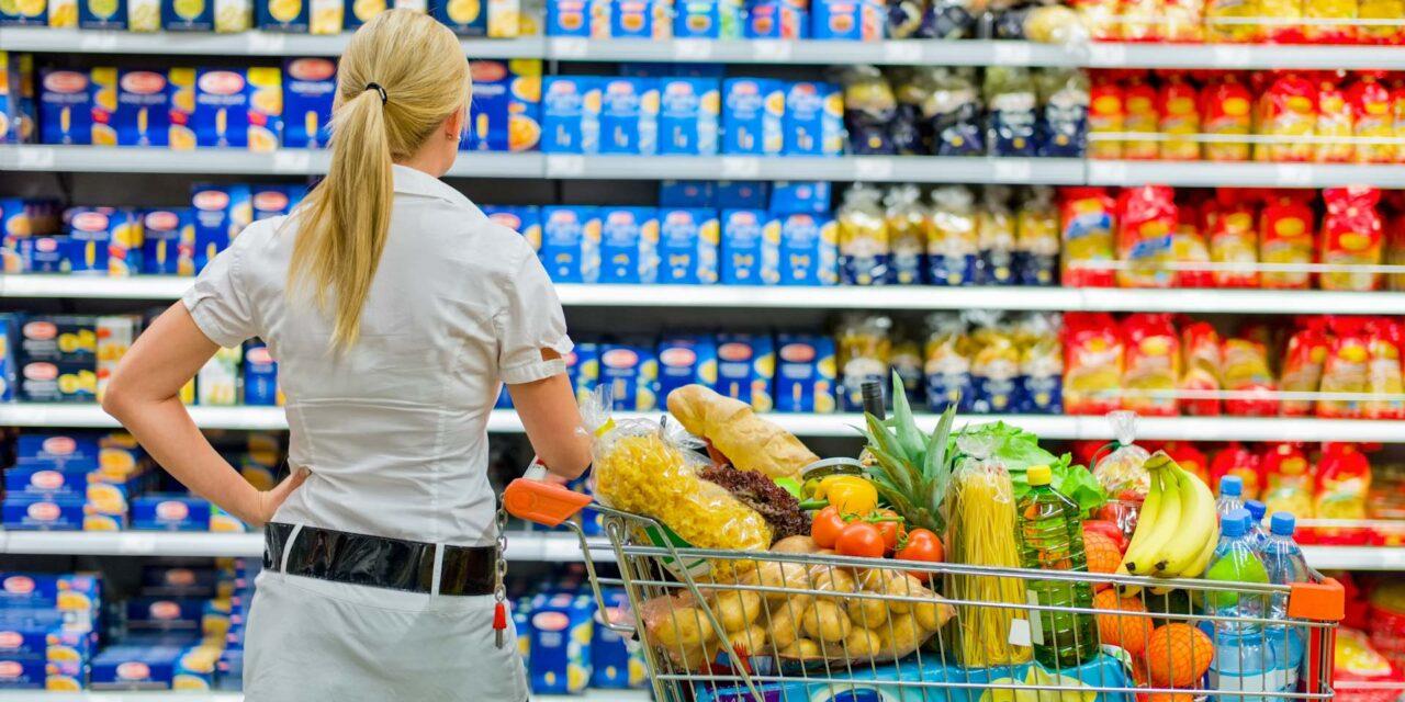 Jöhet a létszámkorlátozás a boltokban és ez még nem minden – Mindeközben lehet, hogy már el is törölték az idősek vásárlási idősávját