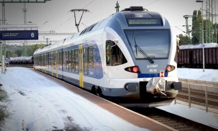Állt a vonat, mert lejárt a mozdonyvezető munkaideje