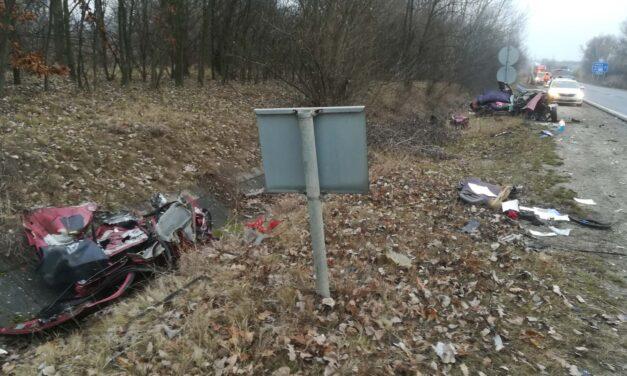 Egy 37 éves, ötgyermekes édesanya halt meg szombaton egy balesetben