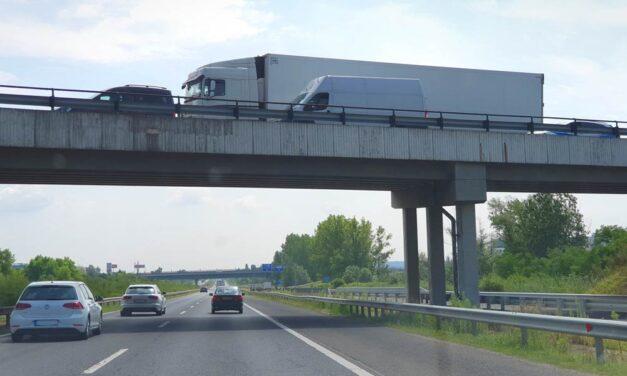 Lezárták az M3-as autópályát – mindkét irányba terelik a forgalmat