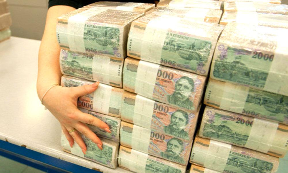 Jelentkezett a 10 milliárdos magyar lottónyertes, elmondta mit csinál a pénzzel