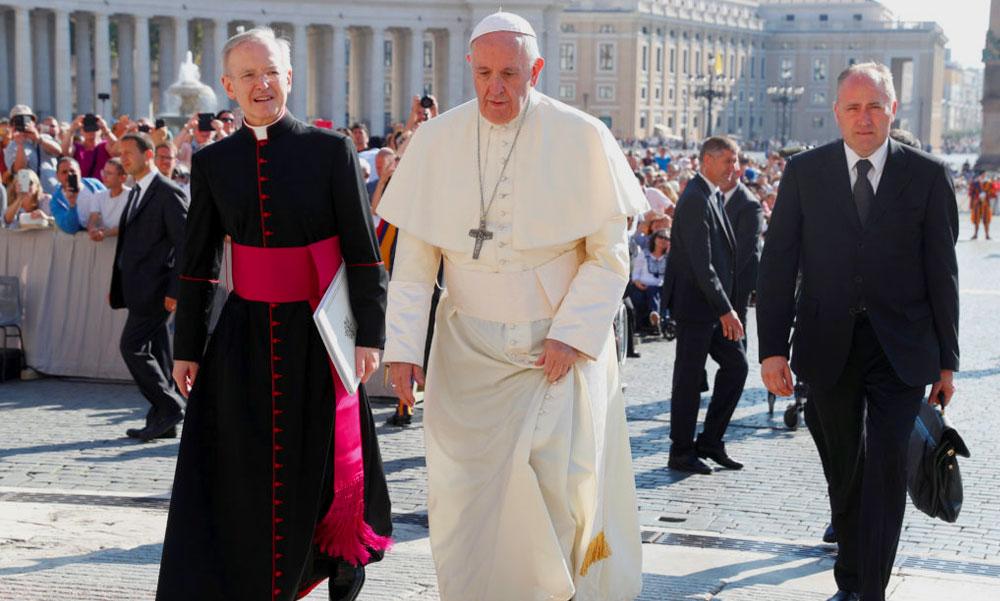 Csapdát állítottak a pápának, botrány a Vatikánban