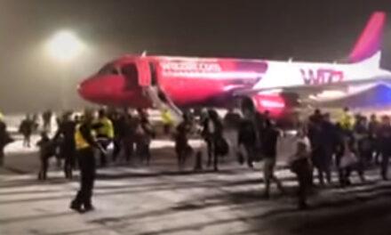 Kigyulladt egy Wizz Air gép Debrecenben, menekítették az utasokat