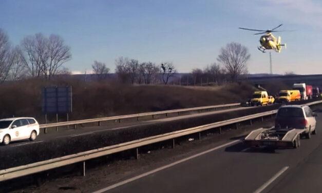 Súlyos baleset az M1-es autópályán, teljes az útzár, három áldozat van
