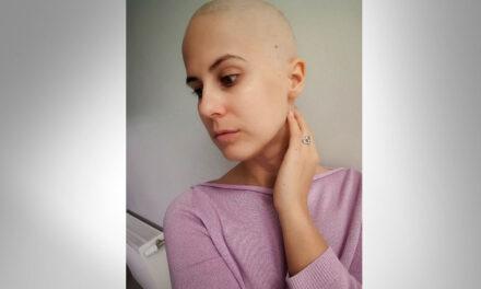 Közösségi oldalán segít sorstársainak a mellrákban szenvedő Barbara