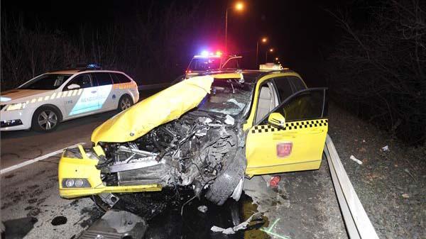 Nem volt jogsija annak a taxisnak, aki Halgas Tibor autójával ütközött