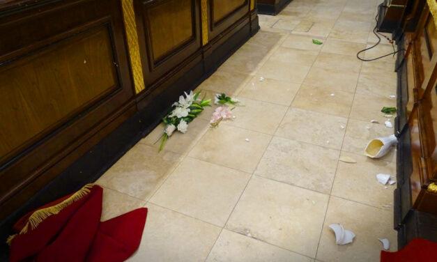 Betört egy férfi a Debreceni Nagytemplomba és törni-zúzni kezdett