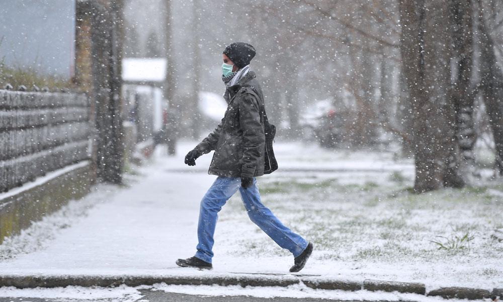 Alig volt hó télen, most tavasszal bezzeg havazik rendesen