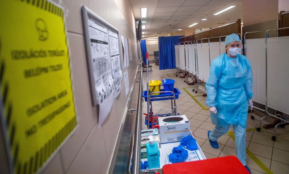 Koronavírus: sok új fertőzöttet találtak, elhunyt 93 beteg