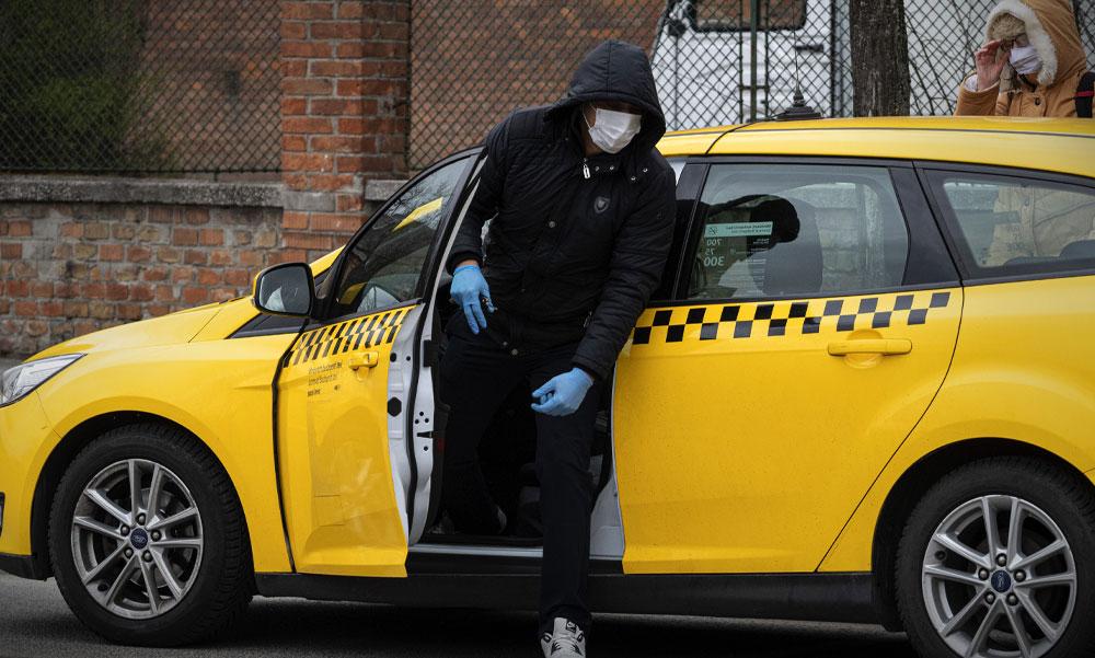 Angliában elfoghatják a rendőrök a koronavírus-gyanús embereket