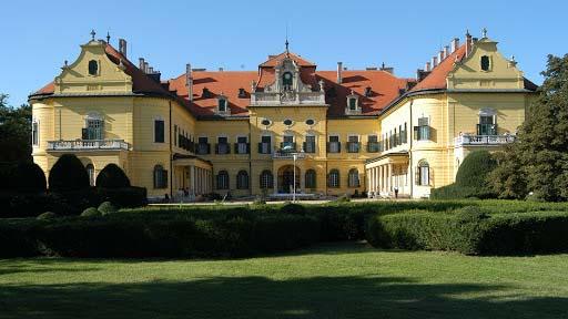 Nyolc koronavírussal fertőződött beteg van egy Csongrád megyei idősotthonban
