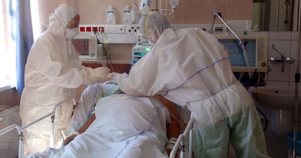 Megint nagyon magas az új fertőzöttek száma, meghalt 70 ember, eközben ez történik oltás fronton