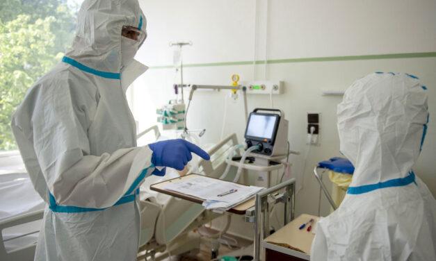 """""""Nem volt alapbetegsége"""" – ezt állítja annak a 41 éves beteghordozónak a felesége, aki koronavírusban hunyt el"""