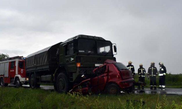 Egy szerelmespár rohant bele a katonai teherautóba, esélyük sem volt a túlélésre