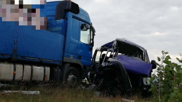 """""""Nem tudtam rajtuk segíteni"""" – még mindig sokkos állapotban van a Balatonnál karambolozó kamion sofőrje"""