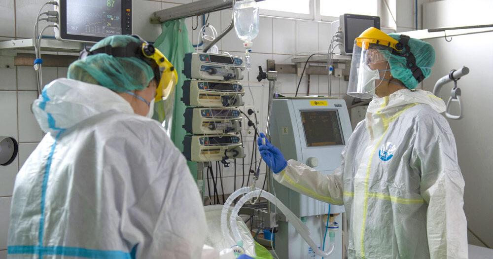 Nem csitul a járvány: meghalt 206 koronás beteg, közel 1300-an vannak lélegeztetőgépen