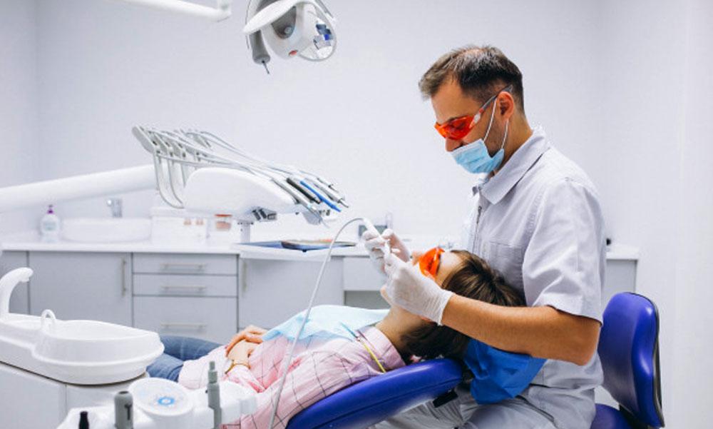 Már nem kötelező a negatív teszt a fogorvosi ellátáshoz