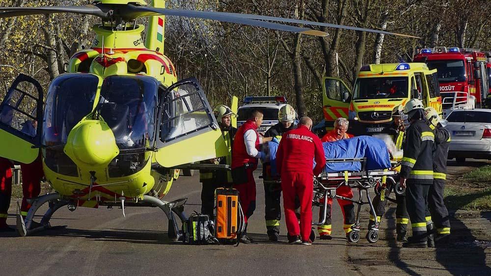 Munkásokat szállított a Balatonnál balesetet szenvedő kisbusz, öten meghaltak, négyen életveszélyesen megsérültek