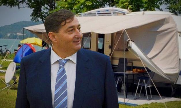 Nem fogadják a budapesti vendégeket Mészáros Lőrinc kempingjei