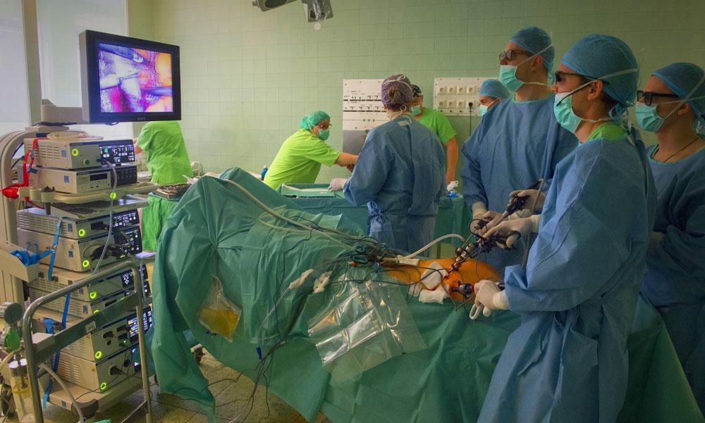 Ez történhetett a Szigetvári Kórház műtőjében, ami miatt  összecserélhették a fertőtlenítőt a sóoldattal