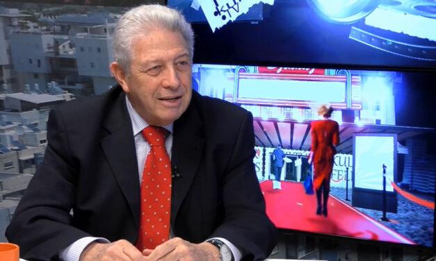 Az egykori híradós TV-sztár, Bánó András felidegesítette magát és kiosztotta a kormányt