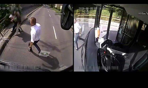 Rablótól mentette meg az idős nőt a buszsofőr