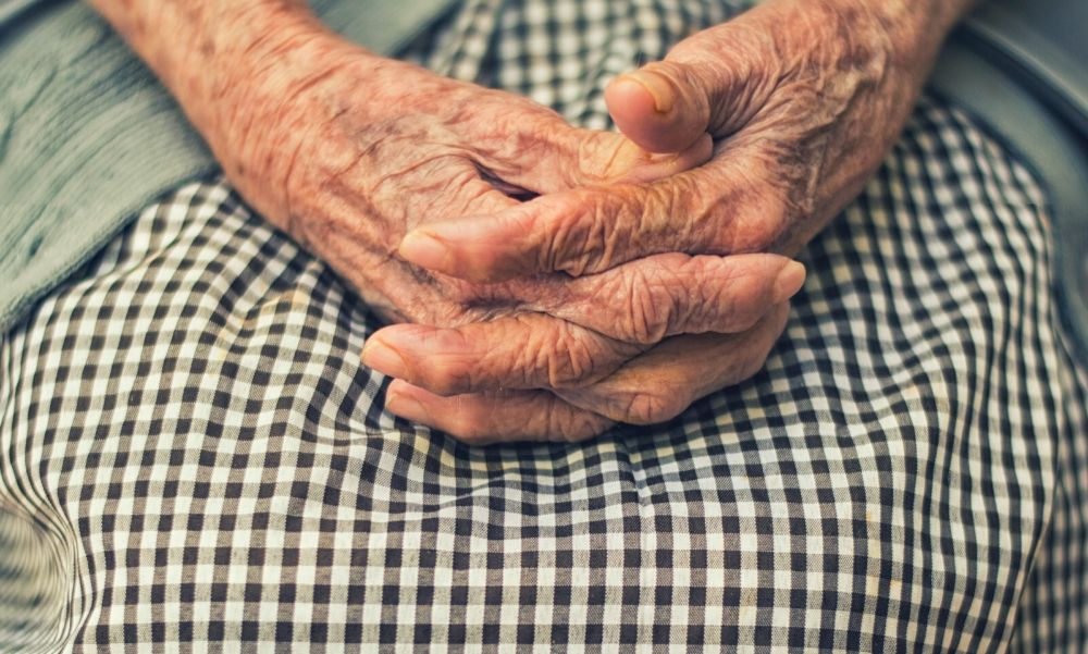 Kegyetlen időszakon van túl a 80 éves Józsi bácsi, aki a koronavírus miatt vesztette el élete párját