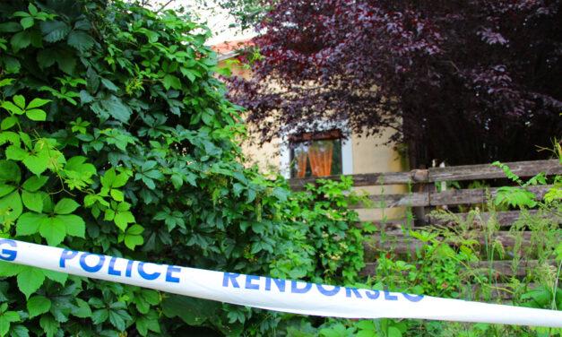 Horrorház Pátyon: Megnéztük mi történt most a hétvégén, döbbenetes dolgokról beszélnek a szomszédok
