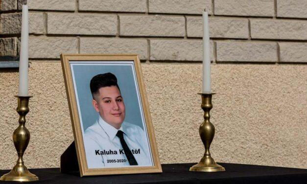 """""""Oda akartam menni, de nem engedtek"""" – megszólalt annak  a 14 éves fiúnak az édesapja, aki egy balesetben bennégett az autóban"""