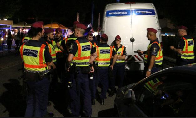 Hatalmas razzia Siófokon, ellepték a rendőrök a Petőfi sétányt