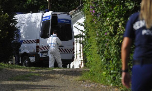 Holttestet találtak egy házban, gyilkosságra gyanakszanak a rendőrök